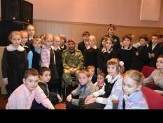 Центре культурного развития п. Новосадовый прошла встреча школьников с Героем России Вячеславом Воробьевым.