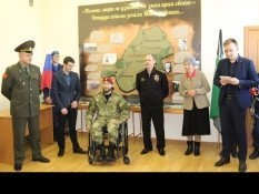 В рамках дня призывника для будущих военнослужащих провели экскурсию в библиотеке-музее «Мясоедовское подполье»