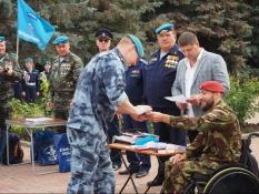 Вячеслав Воробьёв наградил росгвардейцев памятными орденами